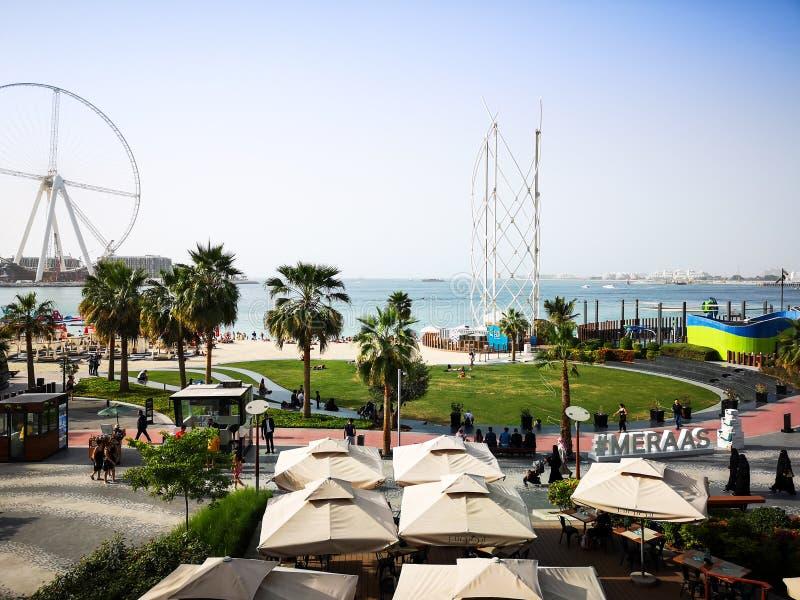 Weergeven van JBR, Jumeirah Beach Residence-oriëntatiepunt in Doubai, Verenigde Arabische Emiraten royalty-vrije stock afbeelding