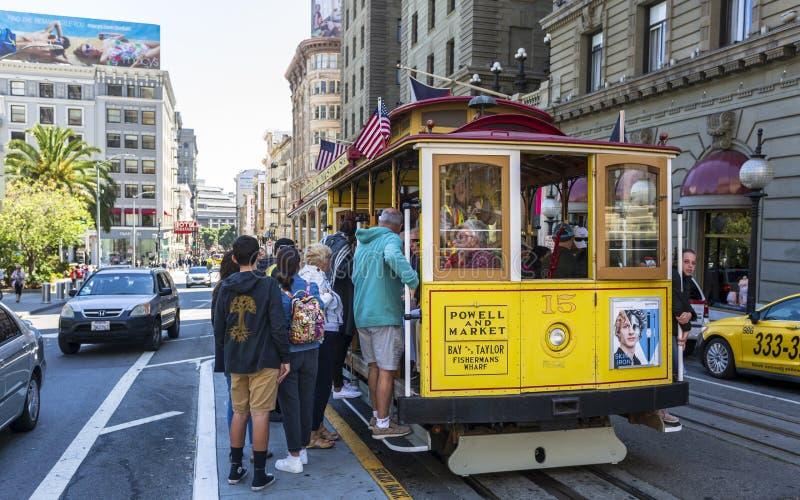 Weergeven van kabelwagen op Powell Street, San Francisco, Californië, de Verenigde Staten van Amerika, Noord-Amerika royalty-vrije stock foto