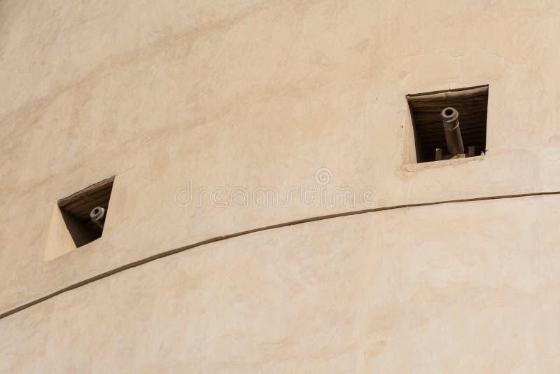 Weergeven van kanonnen in het vestingwerk stock afbeeldingen