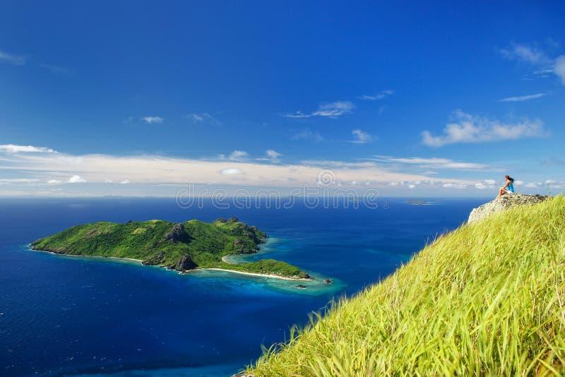 Weergeven van Kuata-Eiland van Vatuvula-Vulkaan op Wayaseva-Eiland, Yasawas, Fiji royalty-vrije stock foto