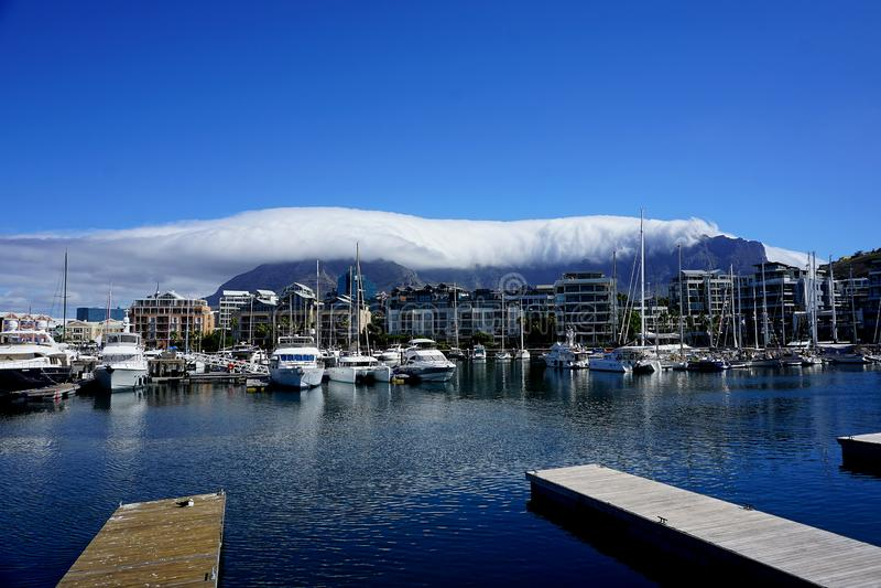 Weergeven van Lijstberg van Victoria en Albert Waterfront - Cape Town, royalty-vrije stock afbeeldingen