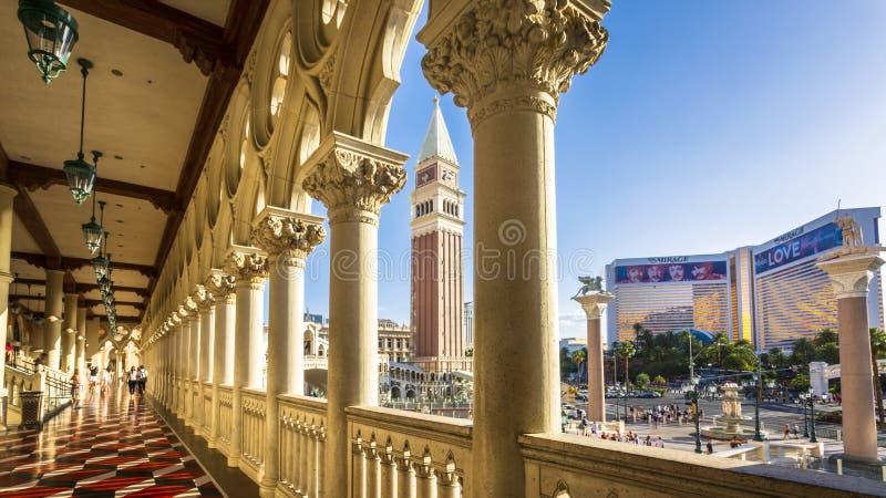 Weergeven van Luchtspiegeling van het Venetiaanse Hotel en het Casino, de Strook, de Boulevard van Las Vegas, Las Vegas, Nevada,  stock afbeelding