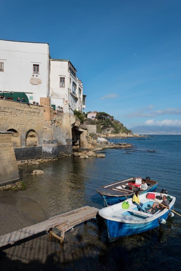 Weergeven van Marechiaro in Posillipo, Napels stock foto