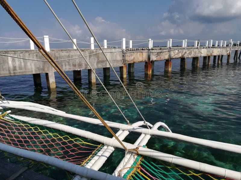 Weergeven van overzeese promenade van houten pompboot royalty-vrije stock foto's