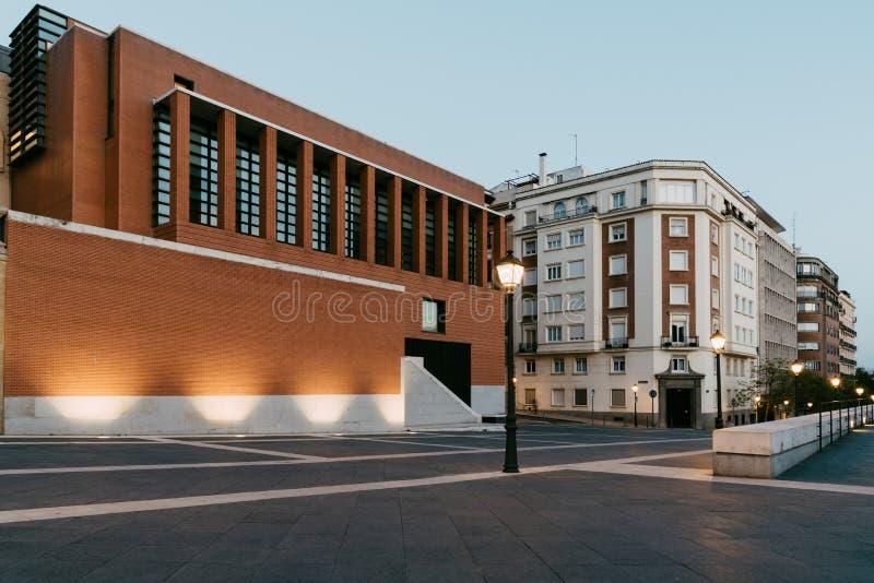Weergeven van Prado-Museum in Madrid bij zonsondergang royalty-vrije stock afbeeldingen