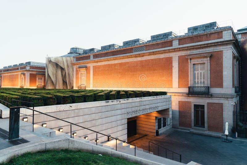 Weergeven van Prado-Museum in Madrid bij zonsondergang royalty-vrije stock foto