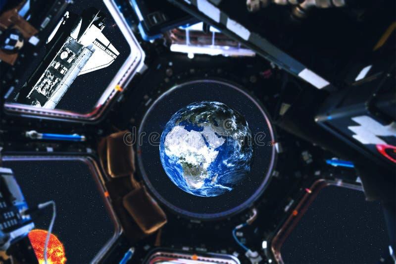 Weergeven van ruimteveer en Zonnestelselplaneten van ruimtestation stock illustratie