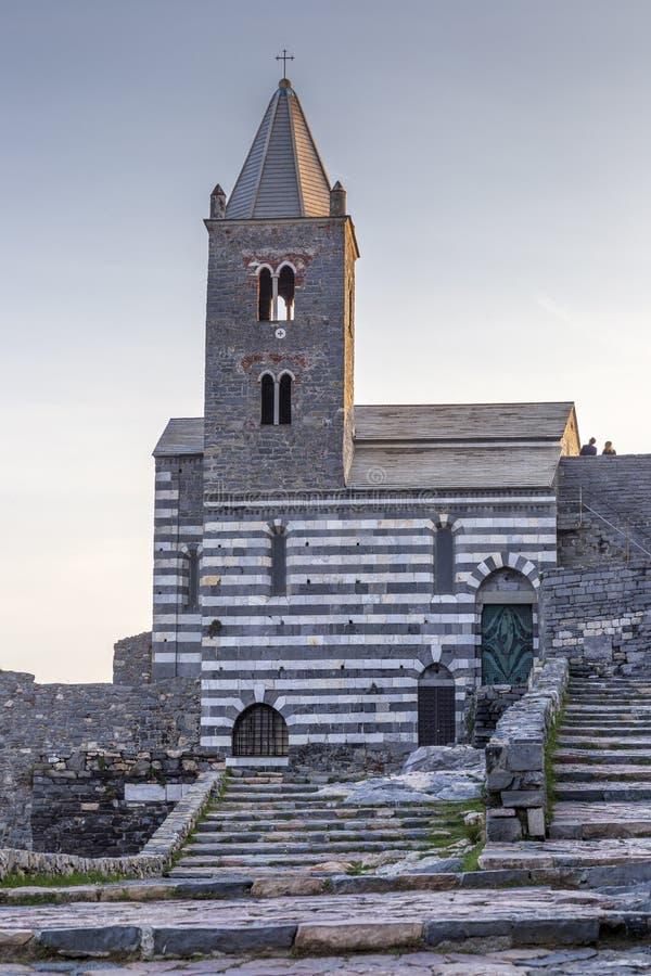 Weergeven van San Pietro-kerk in Porto Venere Porto Venere, Itali? stock afbeelding