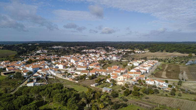 Weergeven van Santa Justa, Coruche Santarem Portugal De luchtfoto van de het oogmening van de hommelvogel ` s stock afbeelding