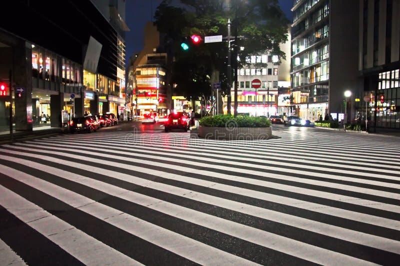 Weergeven van straten en vierkanten in de loop van de dag en nacht, de stad van Chiba, Japan royalty-vrije stock afbeelding
