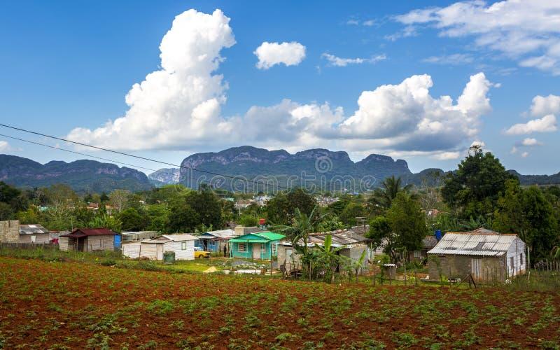 Weergeven van Vinales-Vallei, Unesco, Vinales, Pinar del Rio Province, Cuba, de Antillen, de Caraïben, Midden-Amerika royalty-vrije stock afbeeldingen