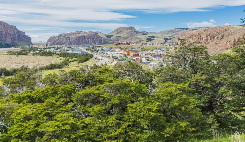 Weergeven vanaf de bovenkant van de stad Gr Chalten, Argentinië royalty-vrije stock afbeelding