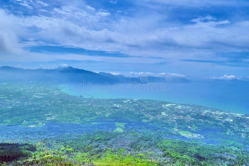 Weergeven vanaf de bovenkant van de vulkaan van de Vesuvius stock foto