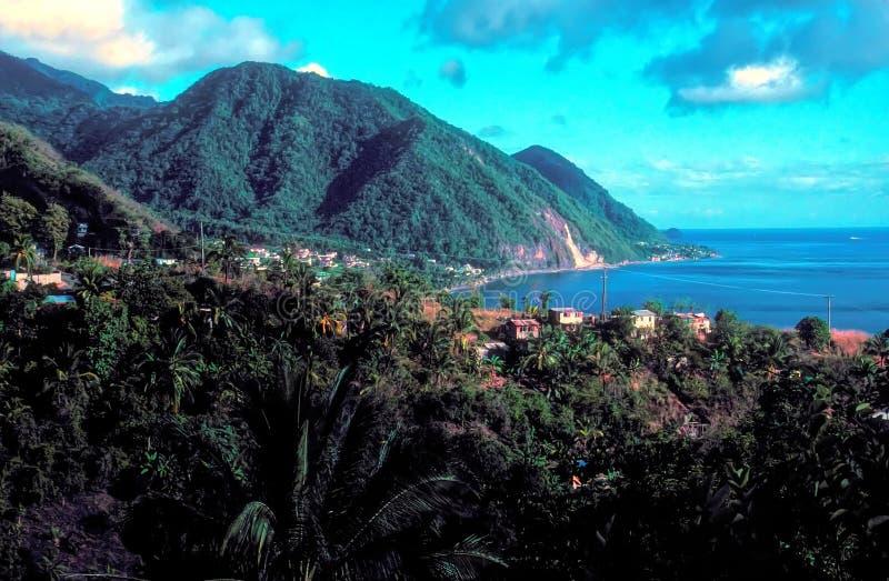 Weergevenzuiden van Roseau, de Hoofdstad van Dominica stock fotografie
