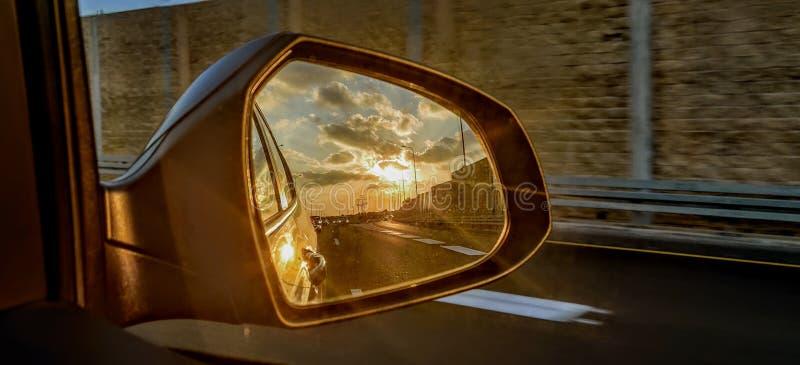 Weerspiegeling van een zonsondergang in Israël royalty-vrije stock foto