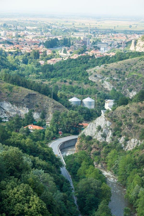 Weg aan de Asenova-Vesting in Bulgarije royalty-vrije stock afbeeldingen