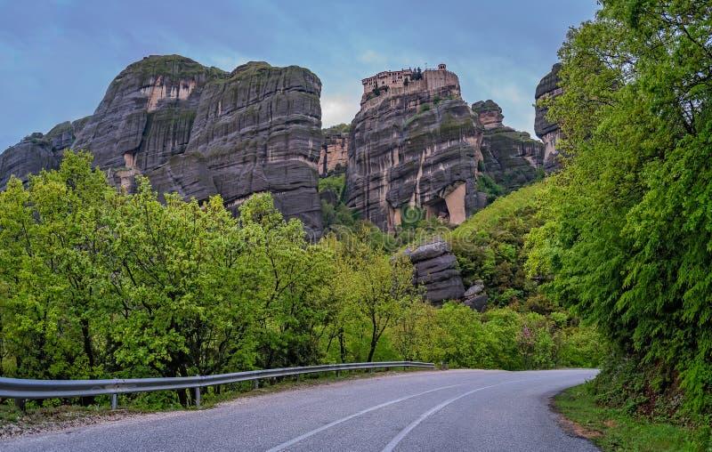 Weg aan de Meteora-kloosters royalty-vrije stock foto