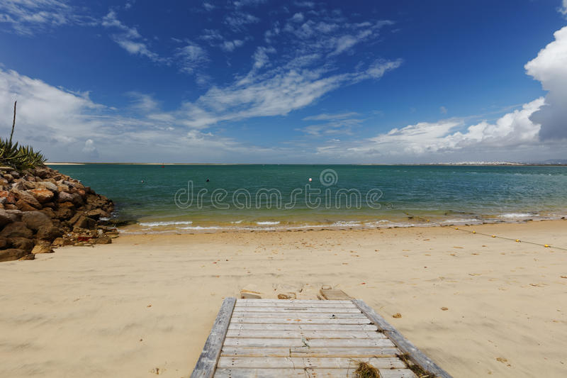 Weg aan het strand op Culatra-Eiland in Ria Formosa, Portugal royalty-vrije stock foto