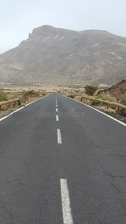 Weg aan Teide - Tenerife - Spanje royalty-vrije stock foto