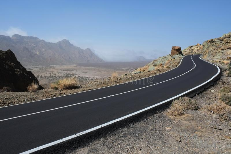 Weg aan vulcano in teide van Tenerife royalty-vrije stock foto's