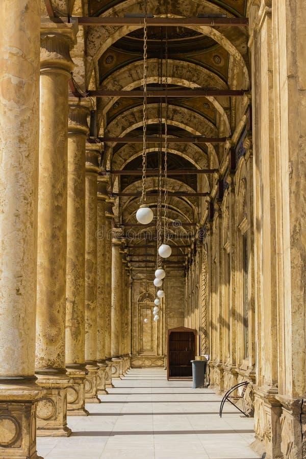 Weg bei Mohamed Ali Mosque, Saladin Citadel von Kairo, Ägypten lizenzfreie stockfotos