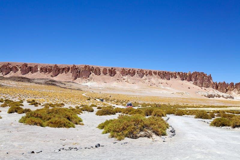 Weg dicht bij Salar Tara, Chili royalty-vrije stock afbeeldingen