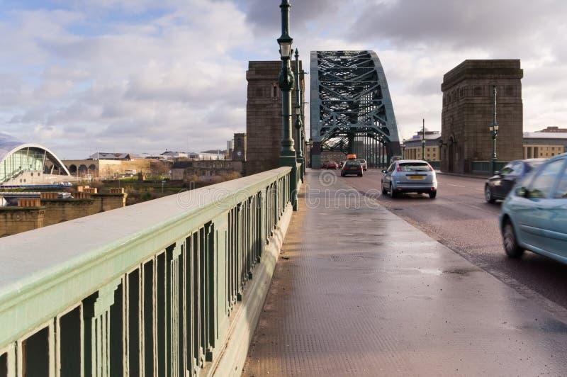 Weg door de brug van de Tyne stock fotografie