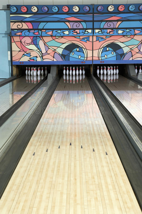 Weg einer Bowlingbahn stockfotos