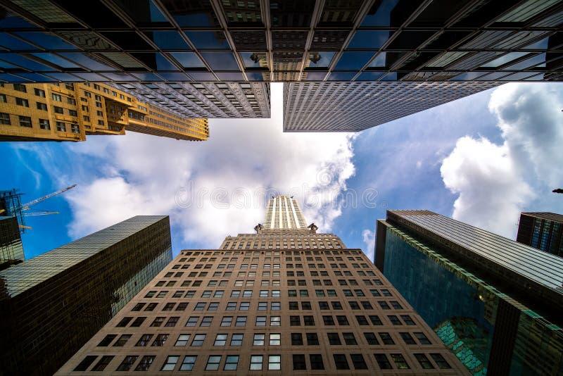 Weg en het inbouwen van de stad van New York royalty-vrije stock afbeeldingen
