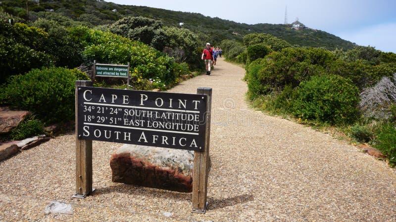 Weg in Kaapstad die tot de vuurtoren van het Kaappunt leiden stock fotografie