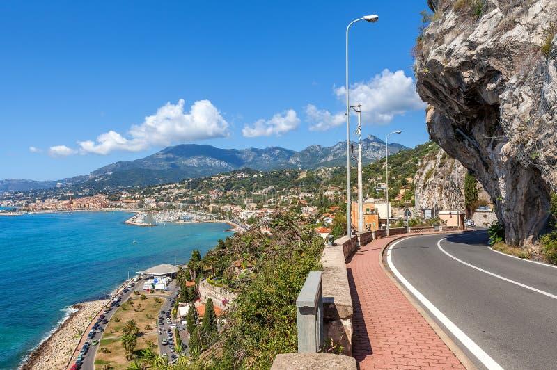 Weg langs Mediterrane kust in Italië royalty-vrije stock fotografie