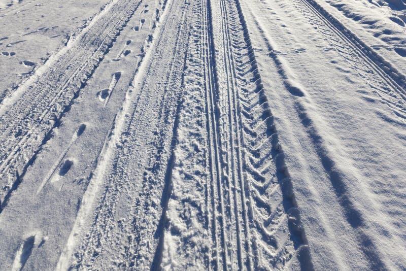 Weg onder de sneeuw stock fotografie