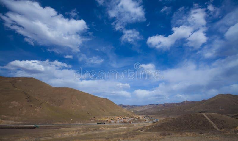 Weg op gansu China van Tibet stock afbeeldingen