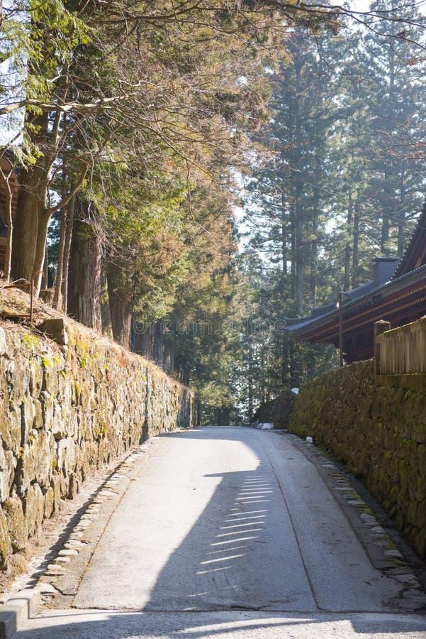 Weg in oude stad in Nikko stock foto's