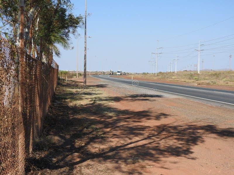 Weg in pilbaragebied Noord- van westelijk Australië stock afbeelding