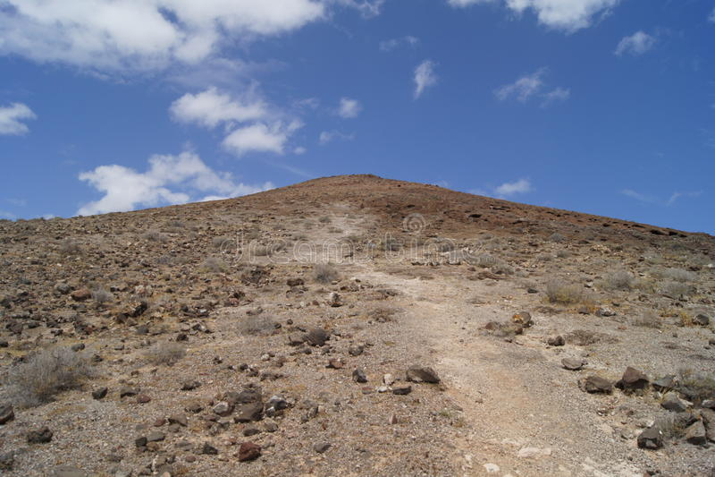 Weg tot de bovenkant van een vulkaan stock afbeelding