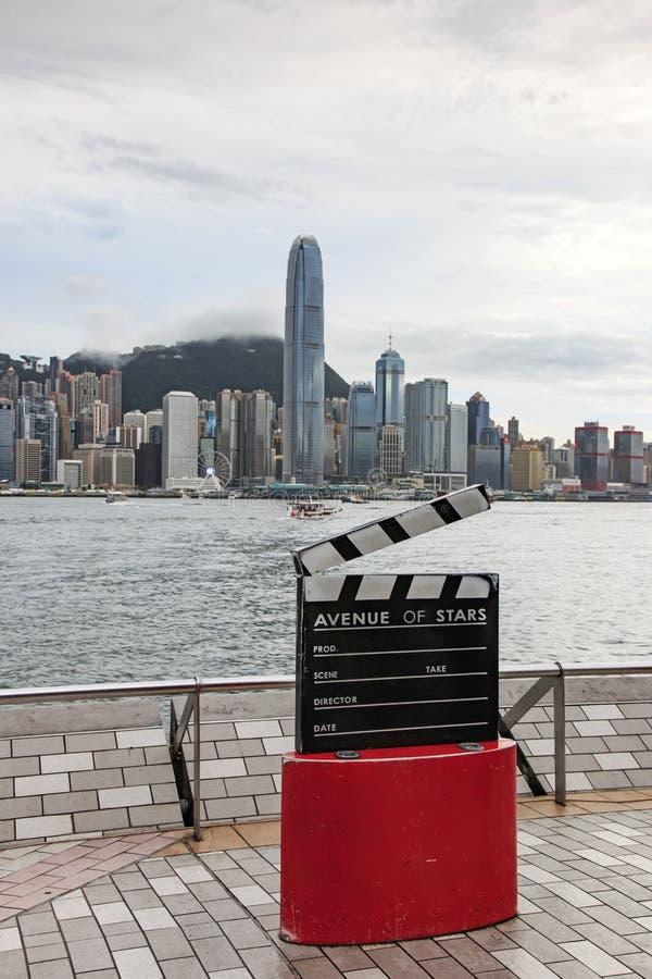 Weg van Sterren, op de Hollywood-Gang van Bekendheid wordt de gemodelleerd, wordt gevestigd langs Victoria Harbour in Hong Kong d stock foto's