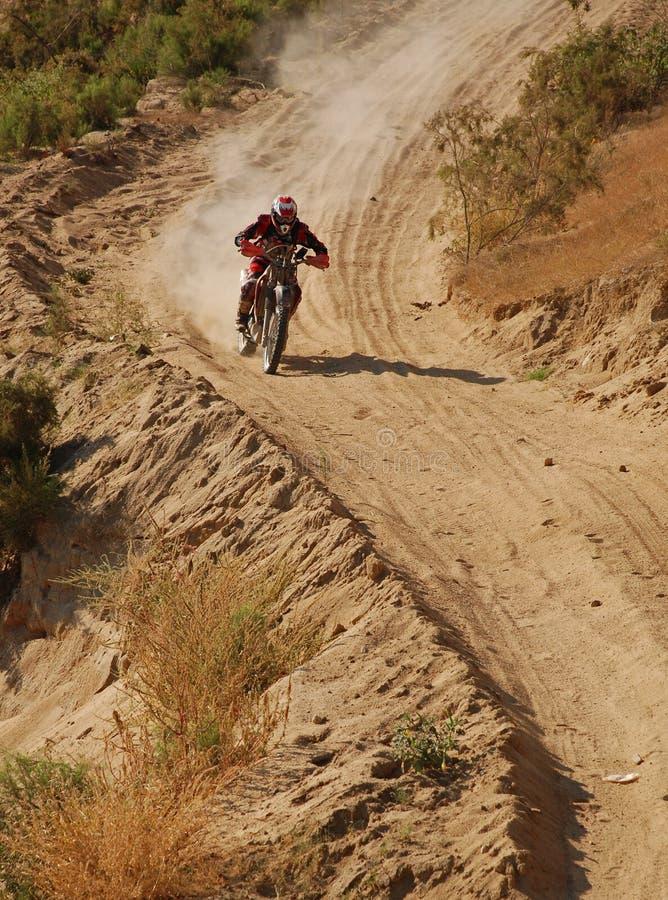 Weg vom Straßen-Motorrad-Rennläufer stockfotos