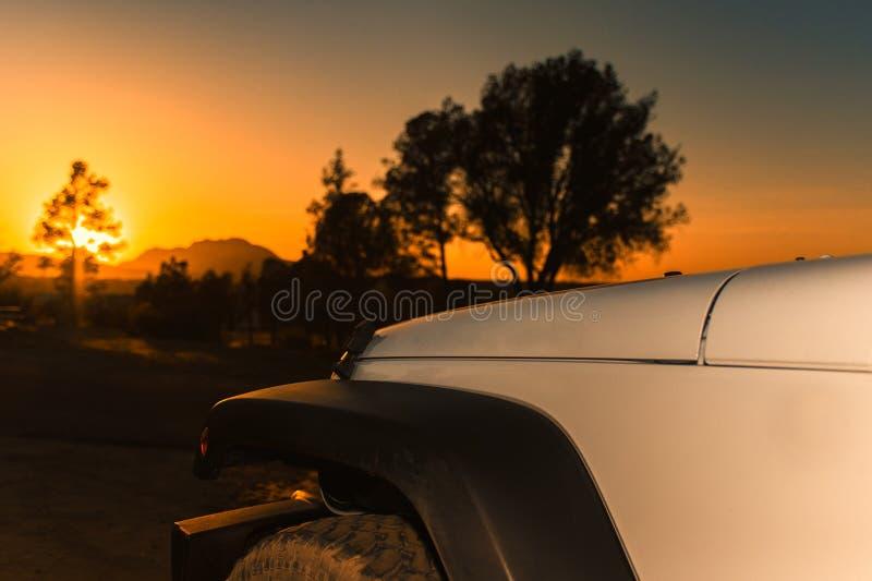 Weg vom Straßen-Sonnenuntergang lizenzfreies stockfoto