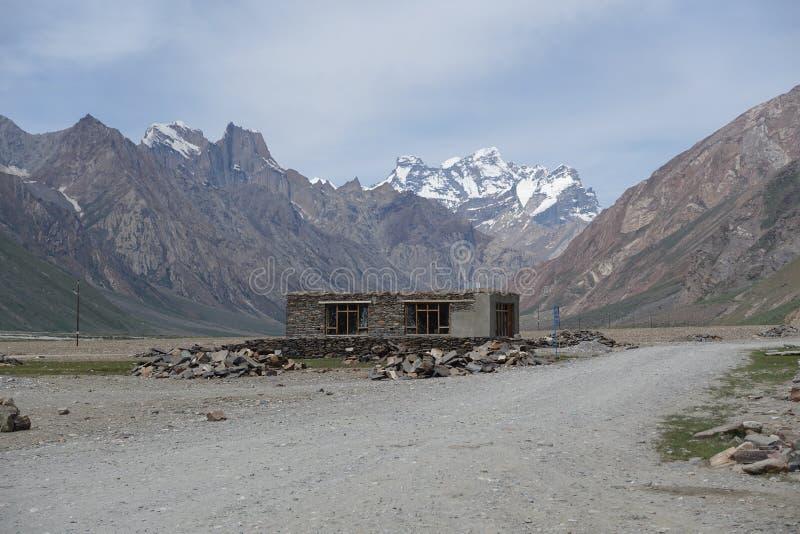 Weg in Zanskar-Vallei, Ladakh, India royalty-vrije stock foto