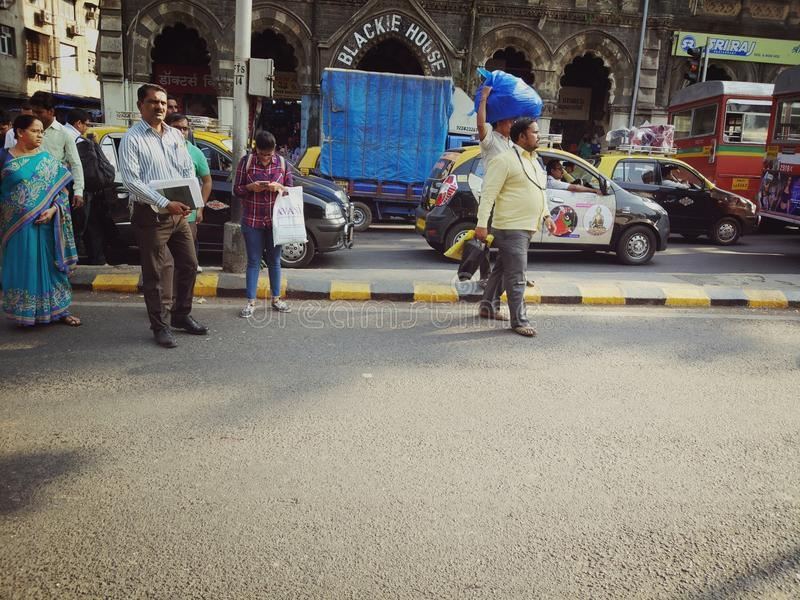 Weg zijverkeer in Mumbai royalty-vrije stock afbeeldingen