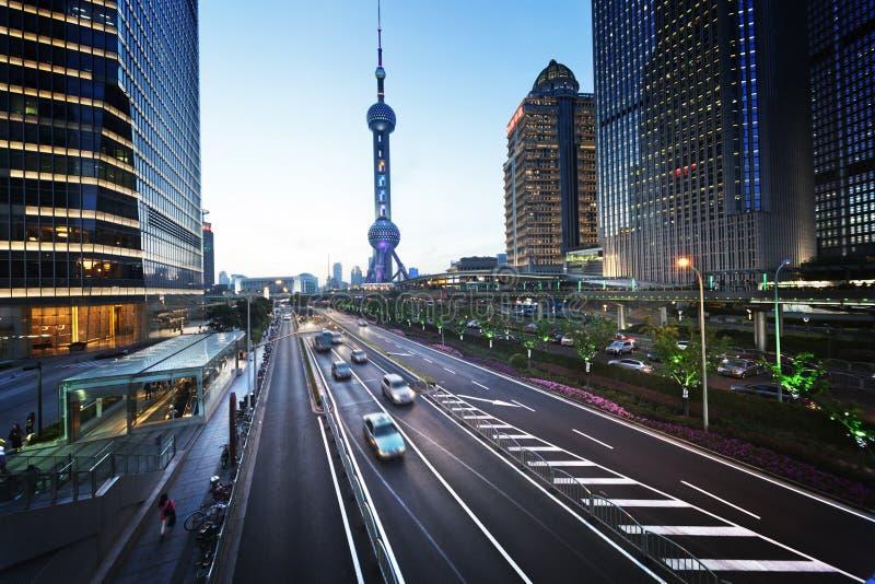 Weg in zonsondergangtijd, Shanghai stock afbeelding