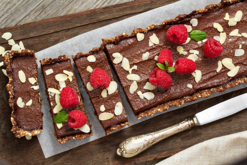 Weganinu czekoladowy tarta z migdałami zdjęcie royalty free