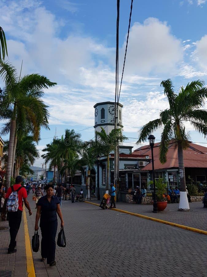Wege durch die Straßen von Jamaika stockfoto