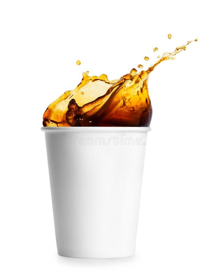 Wegwerfschale mit Kaffeespritzen stockfotografie