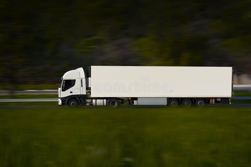 Weiß-halb LKW stockfotos