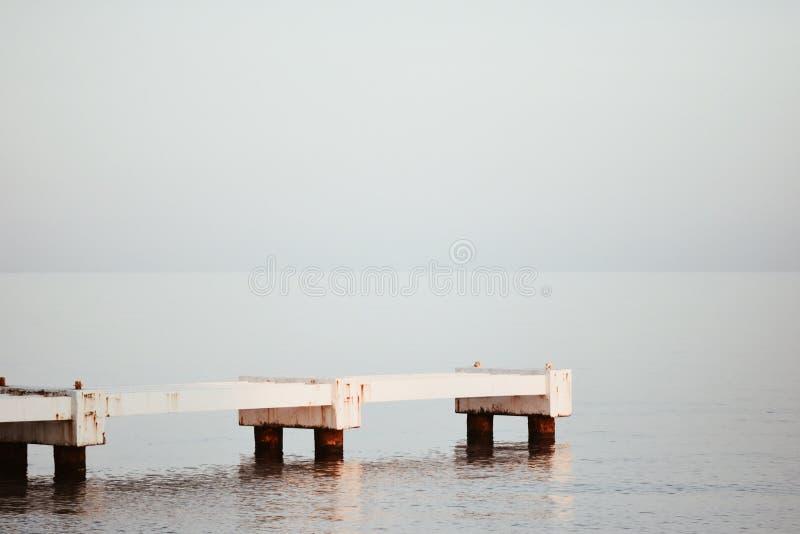 Weiß und Lichtblau lizenzfreies stockfoto