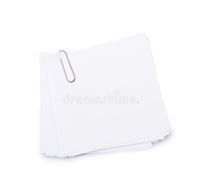 Weißbuchblätter für Buchstaben mit Klipp stockfotos