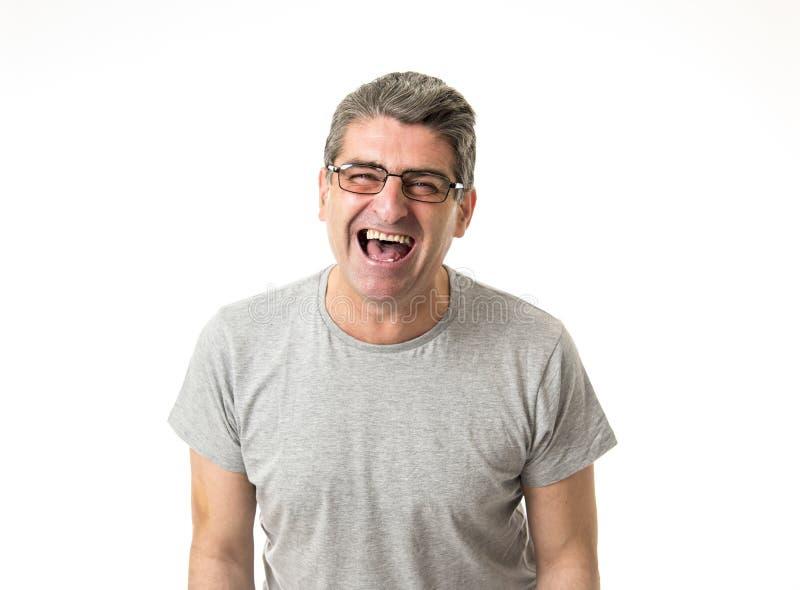 Weiße alte lächelnde glückliche Vertretung des Mannes 40 bis 50 Jahre nett und posi stockfotografie