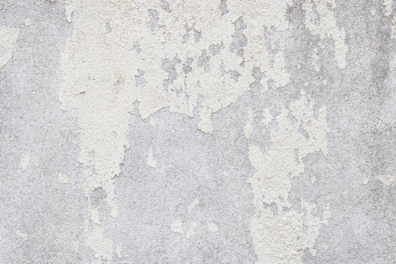 Weiße alte Wandbeschaffenheit mit geknackt und in Weinleseart für Hintergrund- und Entwurfskunstwerk abgezogen lizenzfreies stockfoto